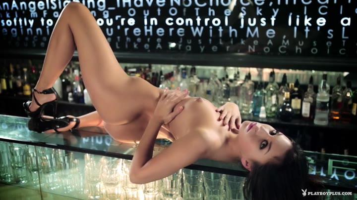 Sabrisse in Bar Show