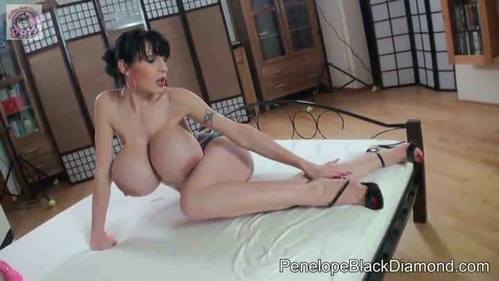 Penelope Black Diamond Footjob