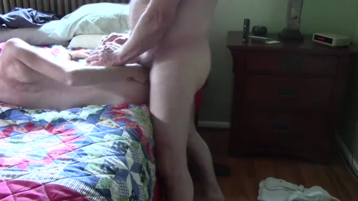 Baby sceaming daddy again as he fucksthat hot little pussy