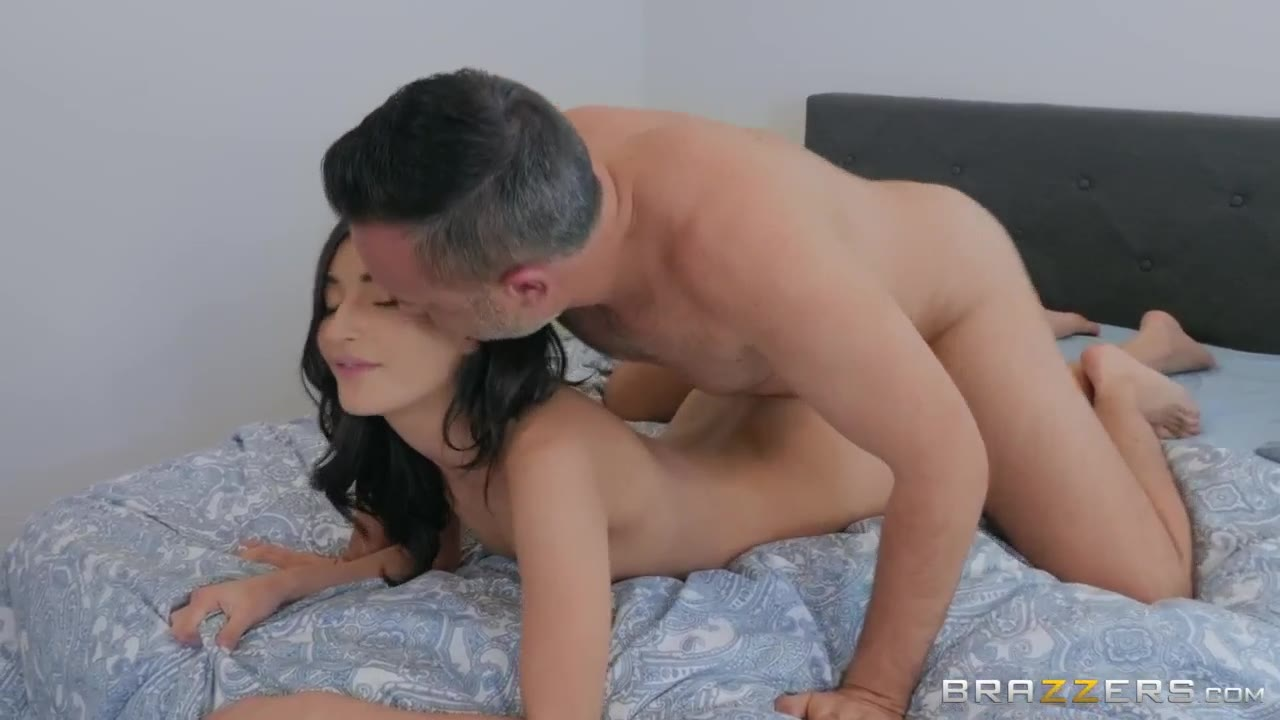 Mom Wants Her Pussy Licked
